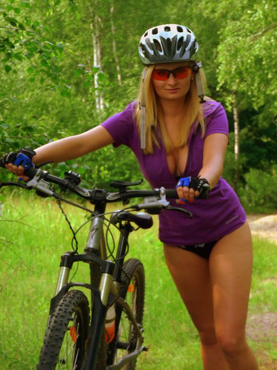 bikegirls poland.jpg