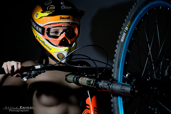 DH_bikegirls 2.jpg