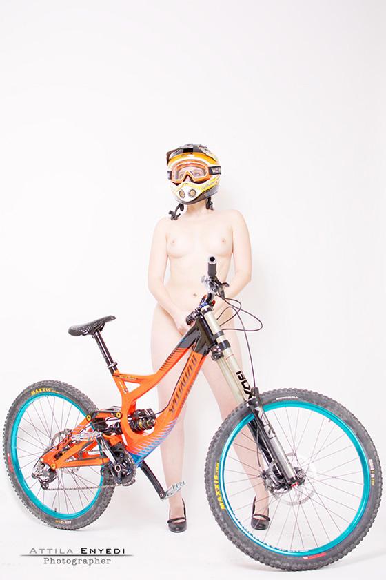 DH_bikegirls 4.jpg