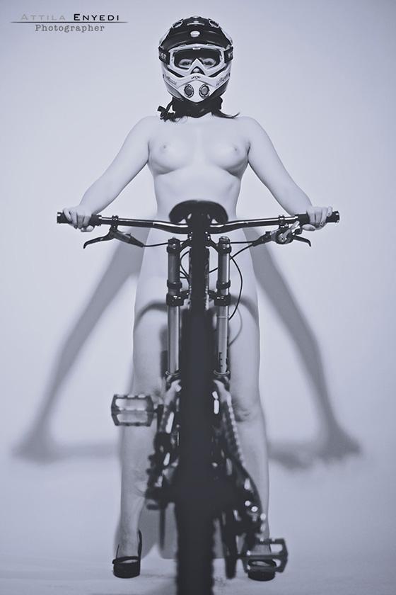 DH_bikegirls 9.jpg