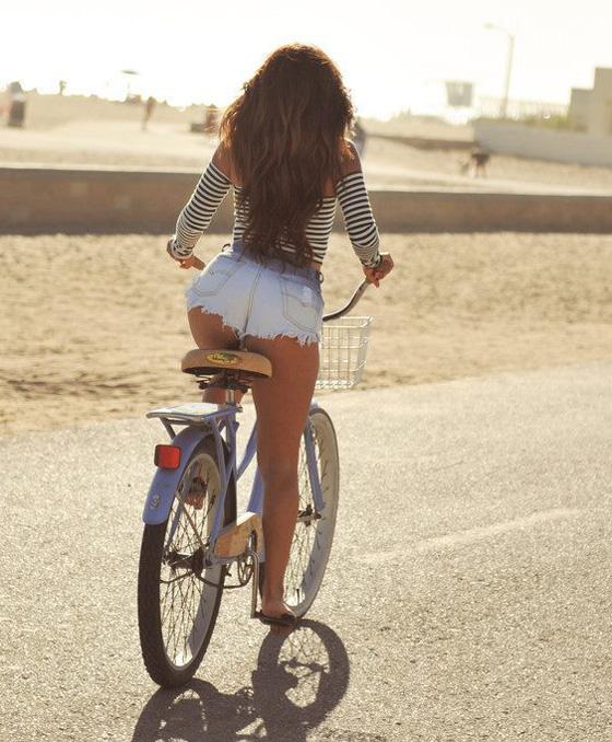 jessica-burciaga-bikegirls-1.jpg