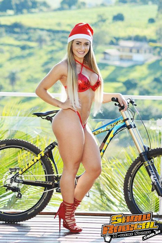 mari reis show radical bikegirls 1.jpg
