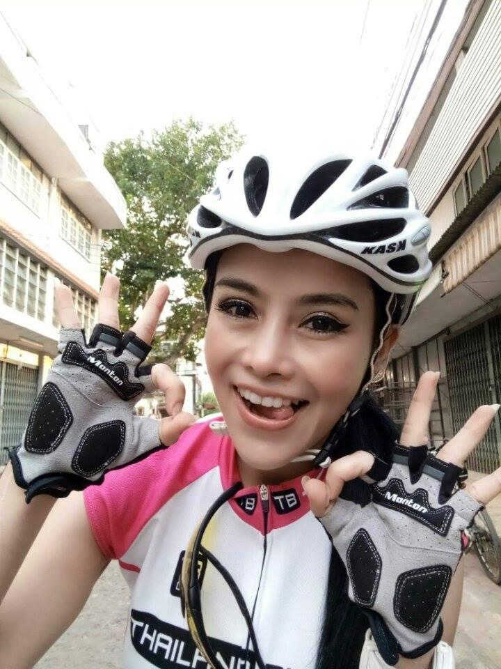 aorry_cooper_lee_bikegirls.jpg
