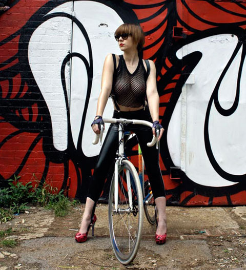 INSA_Girls on bike