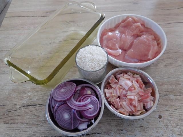 Szalonnás rakott csirkemell (recept)