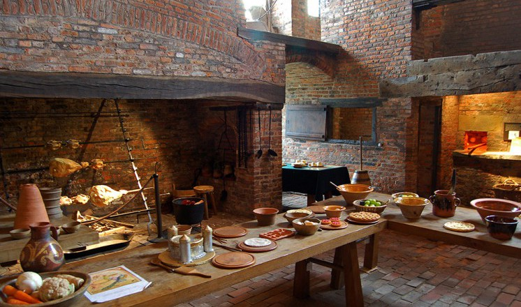 medieval-castle-kitchen-02.jpg
