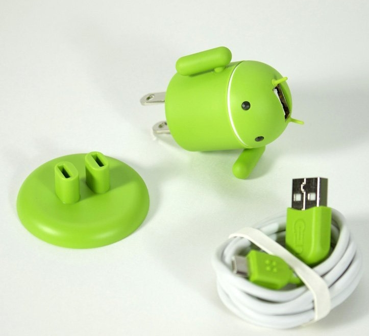 Amazon.com-Andru-Android-Robot-USB-Cell-Phone-Travel-Charger-Retail-Packaging-Green-PT03[1].jpg