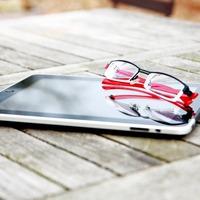 A látást korrigáló képernyő feleslegessé teheti a szemüveget