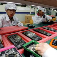 A Foxconn 10.000 robottal szeretné helyettesíteni az emberi munkaerőt