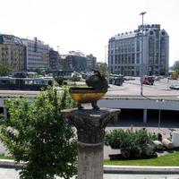 Emberi ürülékben úszik a Boráros tér