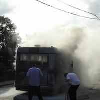 Kigyulladt egy midi a 27-es busz vonalán (Képek)