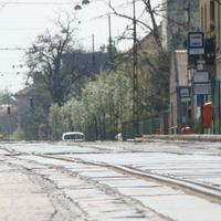 Ésszerűtlen pályafelújítás a 21-es villamos vonalán