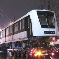 Megérkeztek az első új metrókocsik
