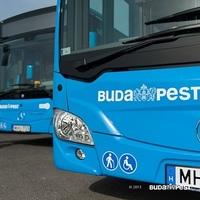 Gomolygó füst az új Mercedes buszon