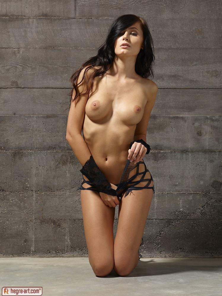tereza_body_rock-3.jpg