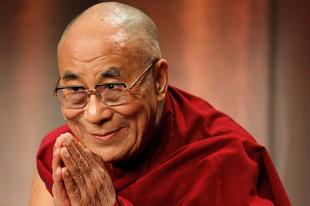 A Dalai Láma is gratulált Emmanuel Macronnak