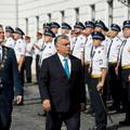 Orbán, a feketeöves (h)arcművész