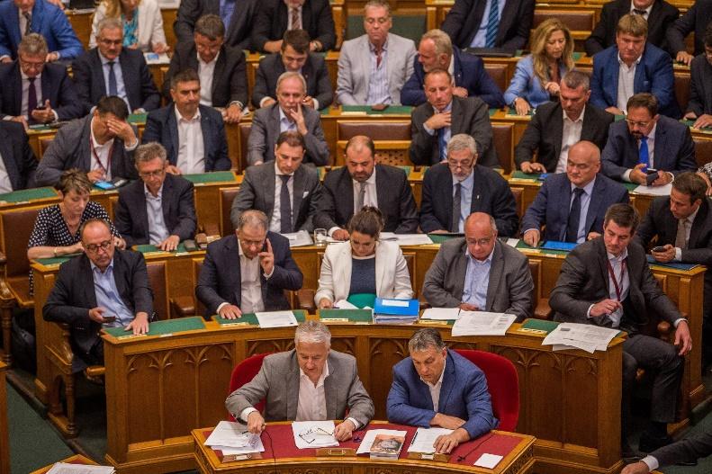semjen_orban_parlament.jpg
