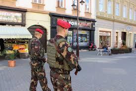 katonak_utcan.jpg