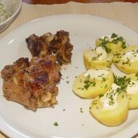 Majorannás csirkecombok főtt krumplival