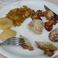 Kacsamájszeletek fésűkagylóval, párolt mangóval, krokettel