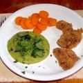 Rántott csirkemáj zöldborsópürével és párolt sárgarépával