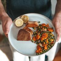 Tonhal steak párolt zöldségekkel
