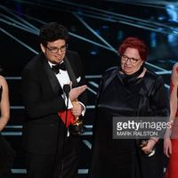 Magyar divattervező meseszép ruhája az Oscar színpadján