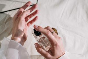 Íme a legérzékibb parfümök - Illatok szerelmesekre hangolva