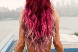 Színes haj egy mozdulattal!