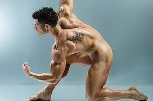 Pucér férfiak mutatják meg,  miért érdemes edzeni!