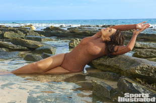 Ashley Graham a legdögösebb plus size bikinis modell!