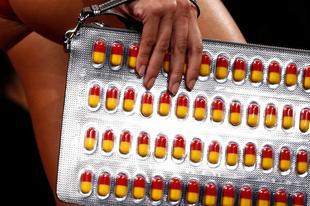 Táskakollekció gyógyszerfüggőknek