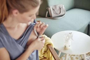 Kismama tippek szoptatáshoz: a mellszívó előnyei
