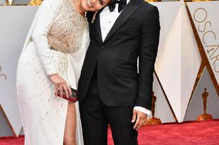 Chrissy Teigen cukin elaludt az Oscar alatt a férje vállán