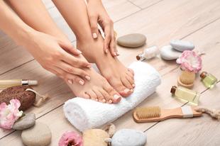 Így ápold a lábaidat, hogy mindig selymesen puhák legyenek!