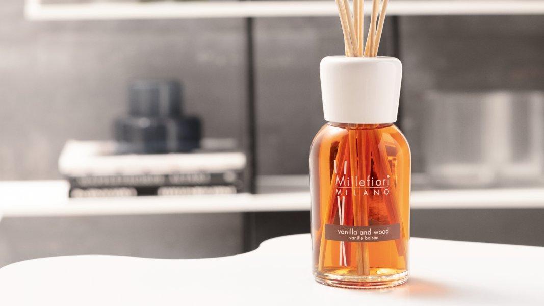 millefiori-natural-reed-diffuser-vanilla-wood-room-fragrance_blogozine_blog_hu.jpg