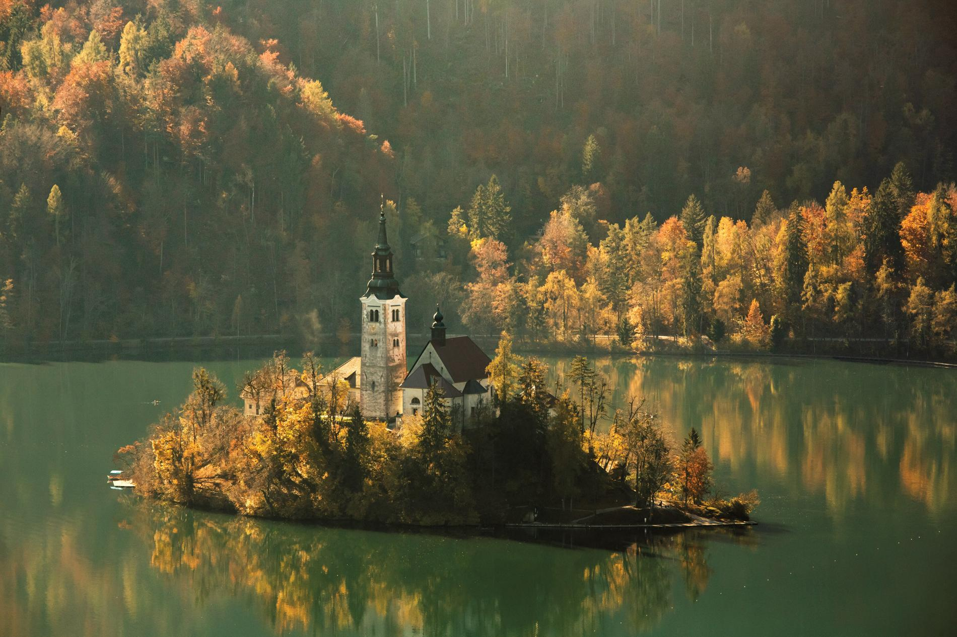 12_church-of-assumption-slovenia_adapt_1900_1.jpg