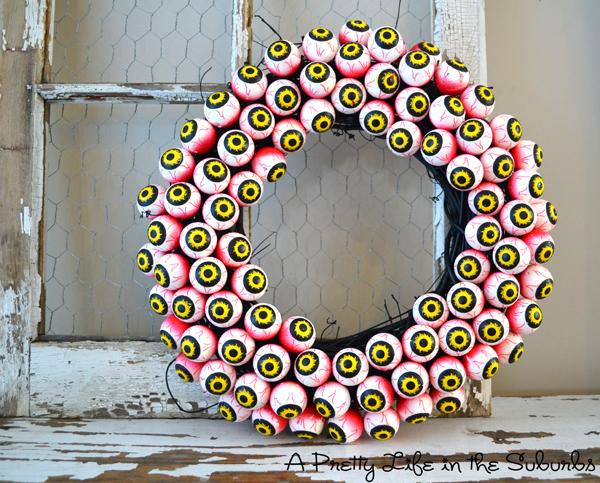 1465937422-spooky-eyeball-wreath-.jpg