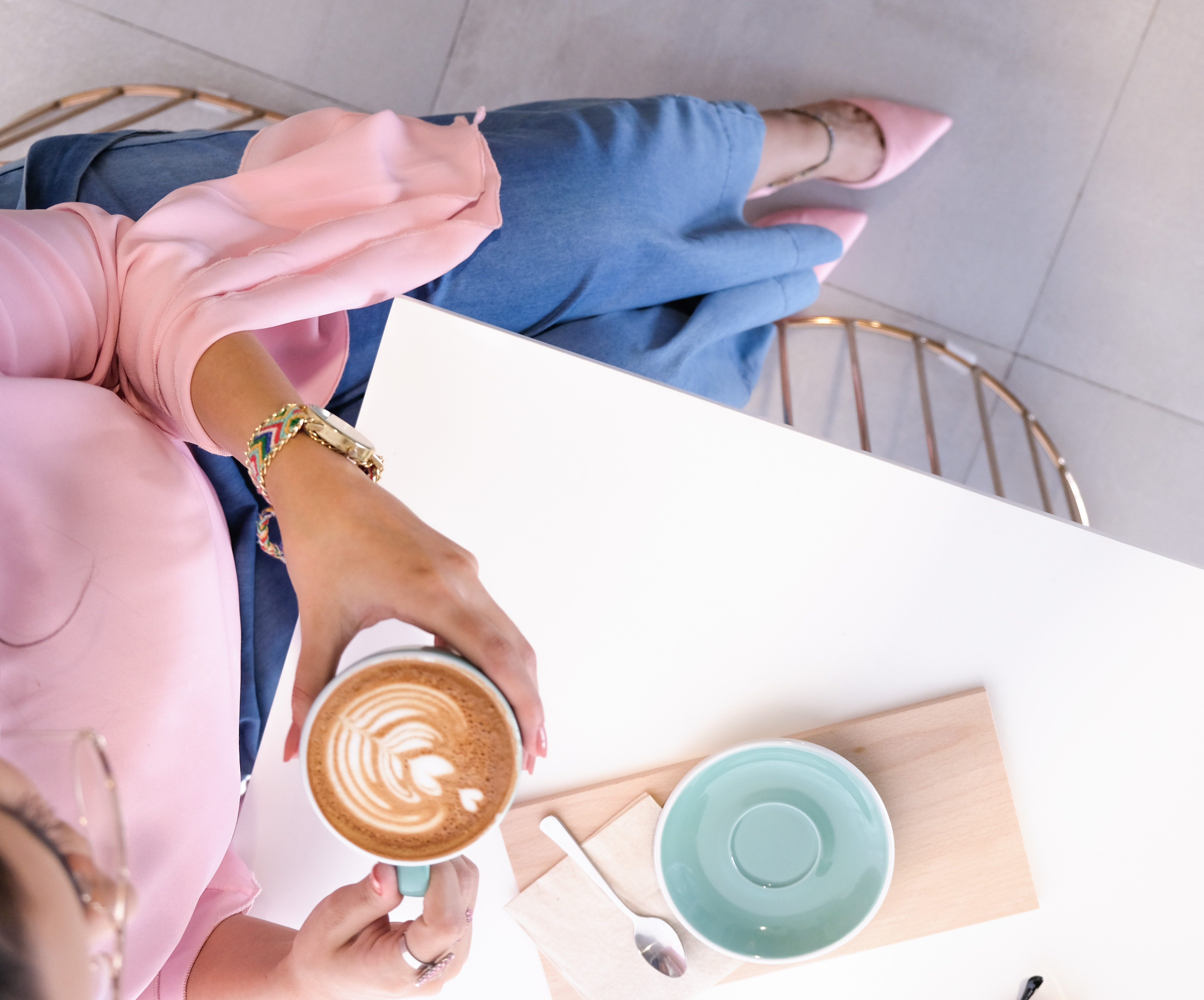 beverage-cafe-caffeine-1260599.jpg