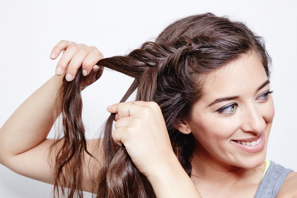 french-fishtail-ponytail-step-1.jpg
