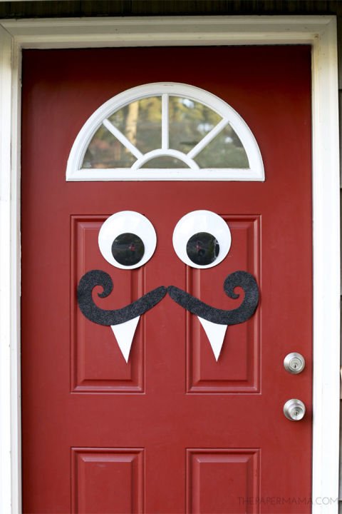 gallery-1466000618-monster-door-decor.jpg