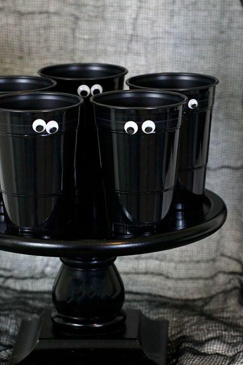 gallery-1466003157-spooky-halloween-party-cups.jpg