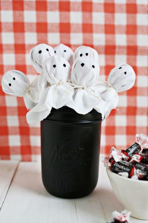 gallery-1466005852-ghost-lollipop-bouquet.jpg
