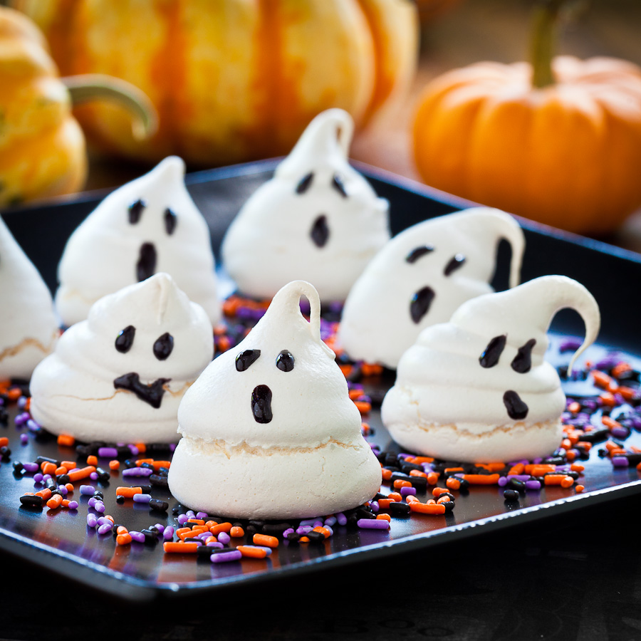 halloween_ghost_meringue_cookies-2.jpg