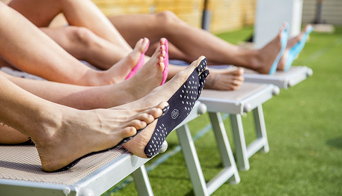 stick-on-soles-barefoot-nakefit-5.jpg
