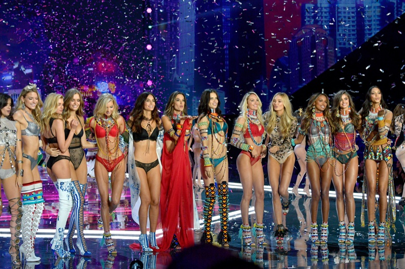 victorias-secret-fashion-show-2018-finale.jpg