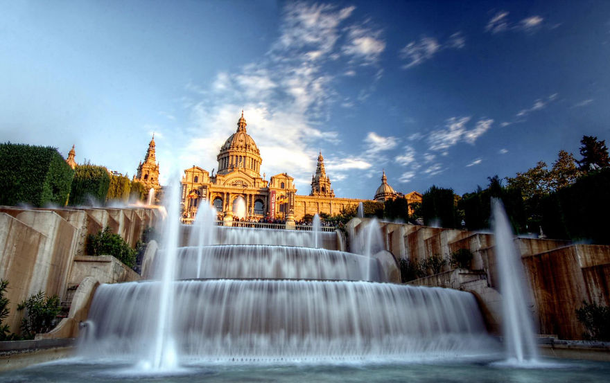 worlds-most-amazing-fountains-14-592d7a889a55d_880.jpg