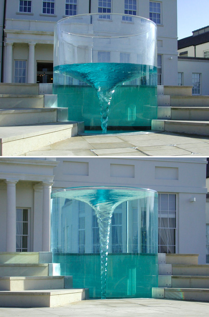 worlds-most-amazing-fountains-7-592d3ddd8e5bd_880.jpg