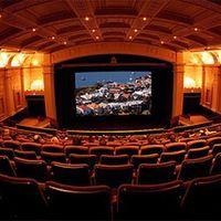 Bajban a filmszínházak: Inkább az otthoni mozizást választják az emberek